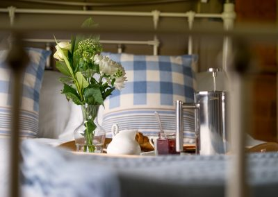 Breakfast in bed - Luxury Glamping in Devon